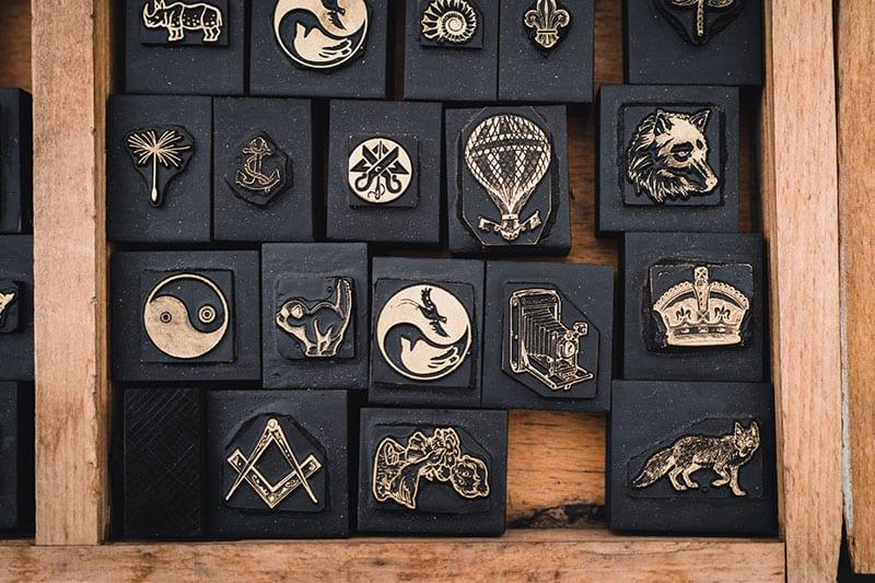 Wealth-Symbols